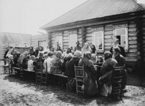 Peoplediningcatering1891-1892CLar.jpg