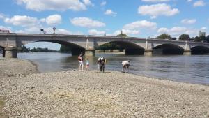 London,_Putney_Bridge._Aug_2016_1.jpg