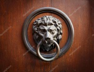 depositphotos_7502101-stock-photo-lion-head-door-knocker.jpg