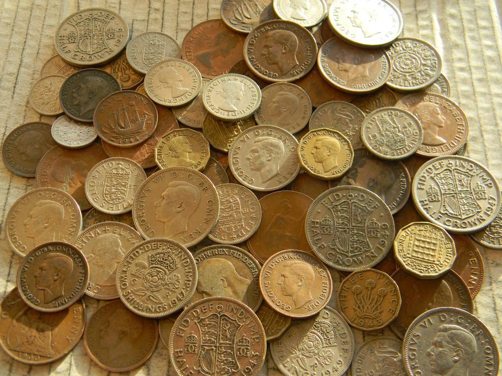 никогда фото старинных монет дорогих и вещей правда, журналисты