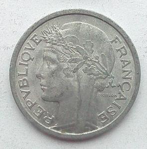 IMG04757выст Франция 1 фр 1958.jpg