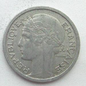 IMG04757выст Франция 1 фр 1959.jpg