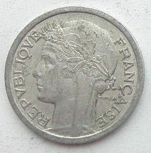 IMG04757выст Франция 1 фр 1957.jpg